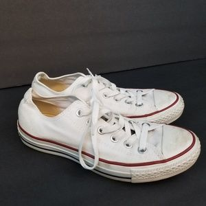 Converse Low Tops Size 7.5